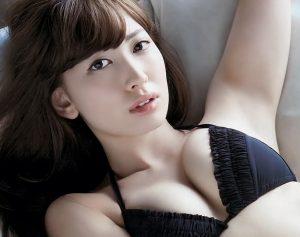 小嶋陽菜豊胸画像