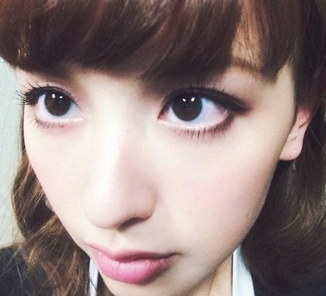 大きな瞳が印象的な鈴木えみ